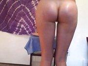 Amateur Girl tanzt nackt vor der Kamera